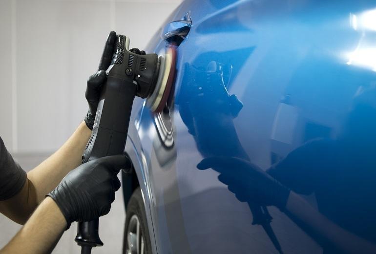 Jak odzyskać połysk i głębię lakieru na samochodzie?