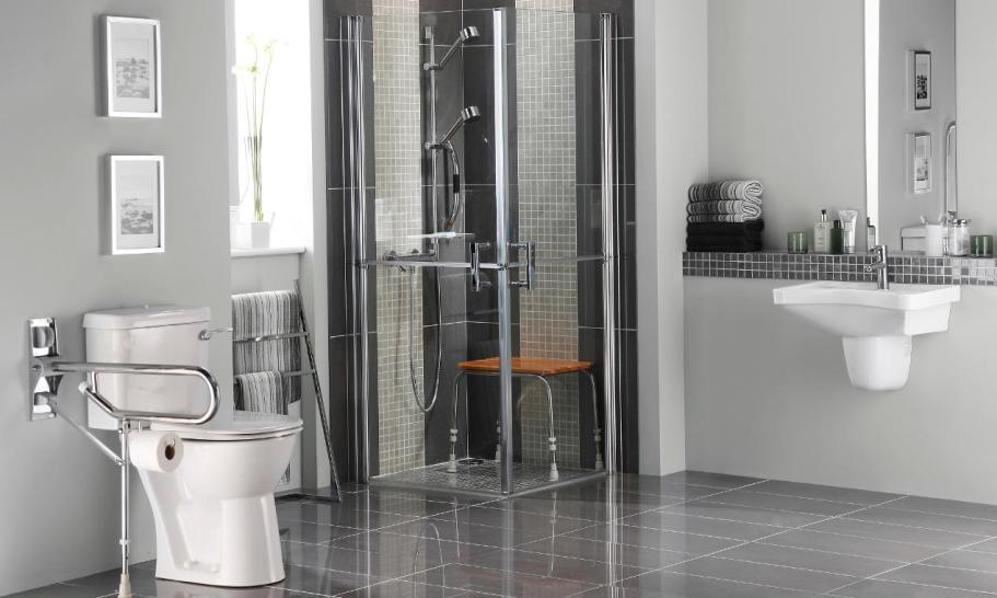 W co wyposażyć toaletę dla niepełnosprawnych?
