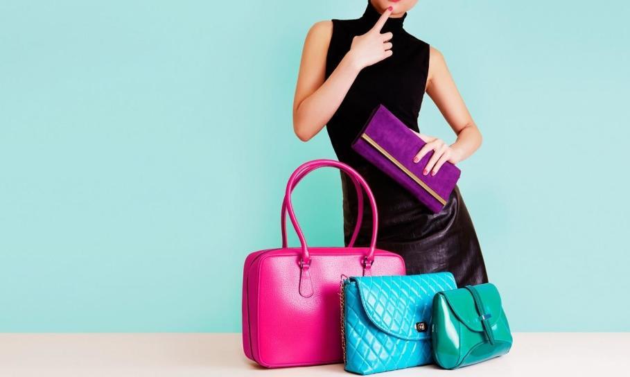 Torby i torebki polecane jako elementy wyjściowych stylizacji