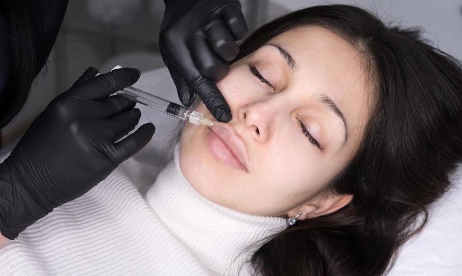 Techniki powiększania i modelowania ust