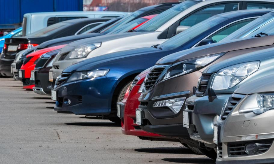 Podstawowe błędy popełniane przy zakupie samochodów z komisu