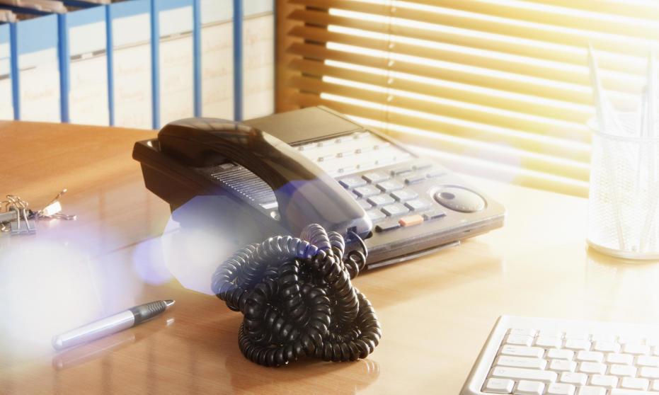 Jak wybrać telefon do biura?