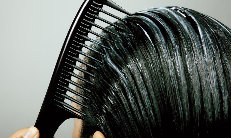 Jak powinna wyglądać pielęgnacja włosów? Zabiegi i kosmetyki
