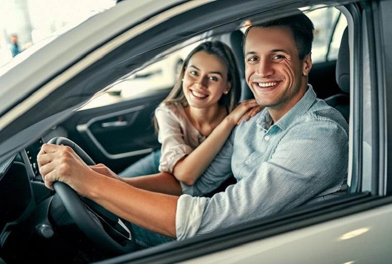 Autem z wypożyczalni na majówkę - propozycja dla lubiących podróże