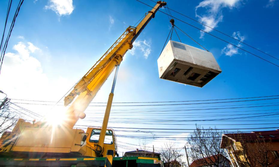 Zmiana lokalizacji ciężkich maszyn i elementów przemysłowych