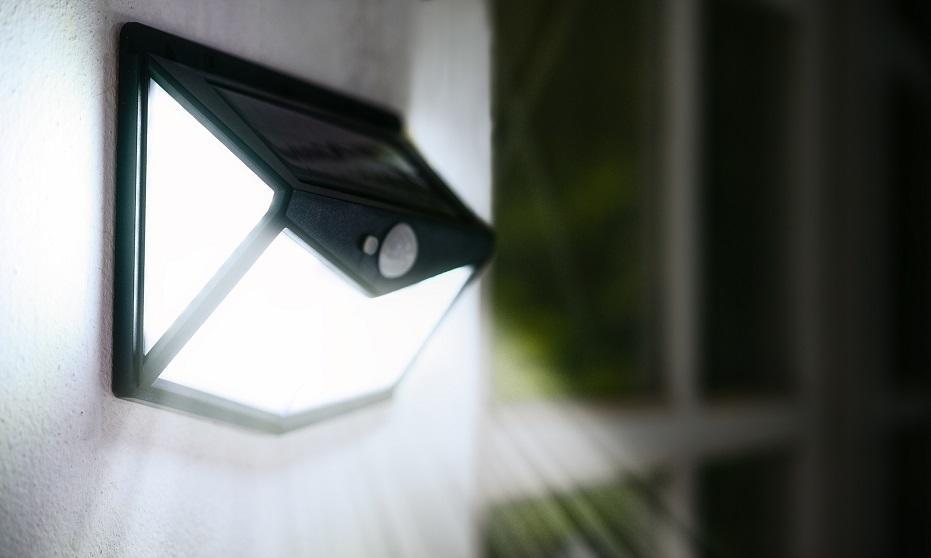 Gdzie warto zamontować lampy z czujnikiem ruchu?