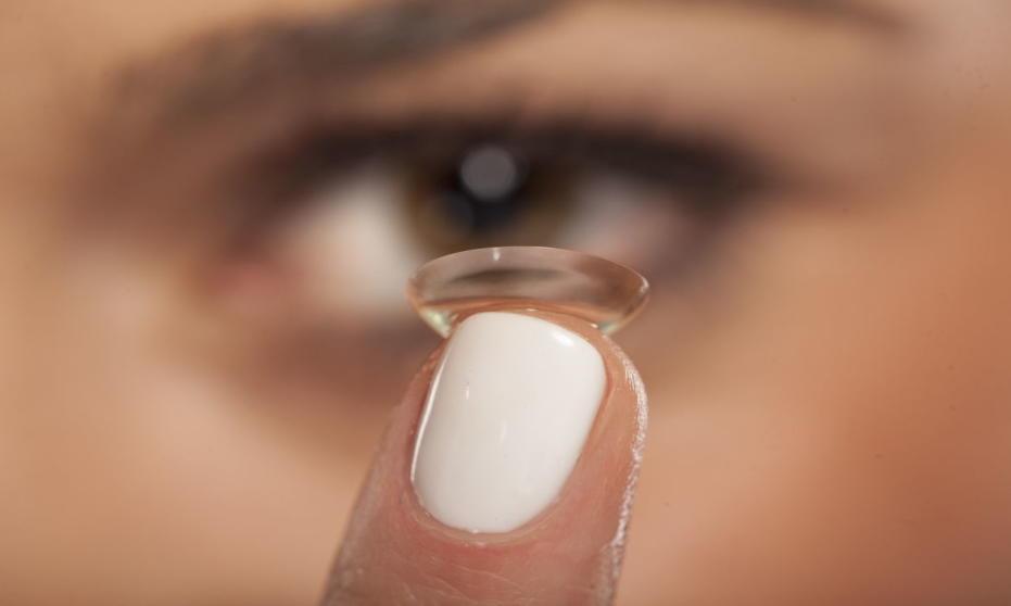 W jaki sposób dbać o soczewki kontaktowe?