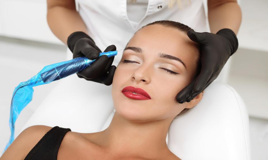Jakimi metodami wykonuje się makijaż permanentny?