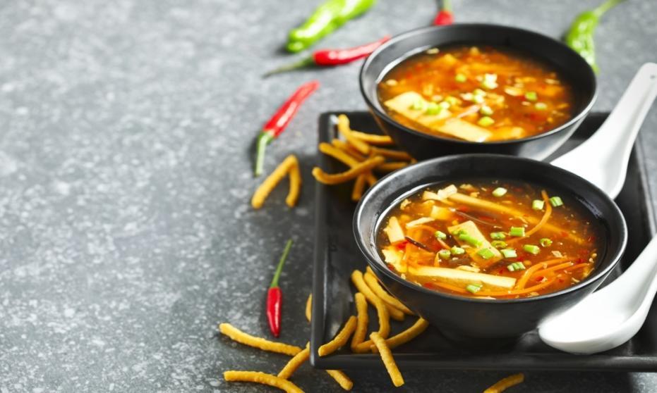 Prosty przepis na zdrową chińską zupę. Wypróbuj koniecznie!