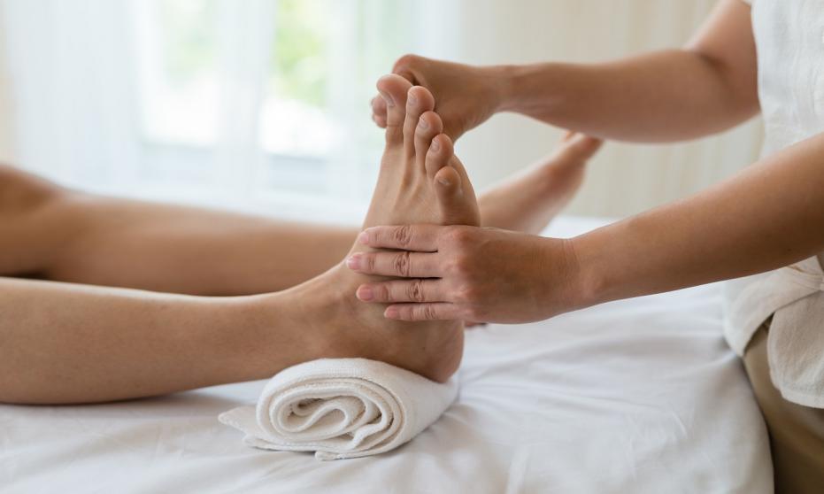Na czym polega refleksologia stóp?