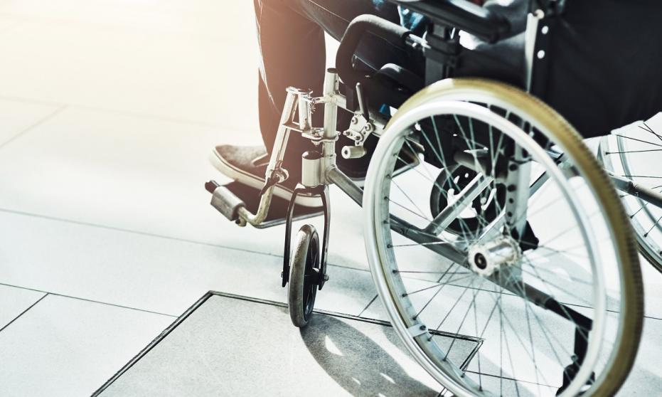 Jak znaleźć dobrą wypożyczalnię wózków inwalidzkich w naszym mieście?