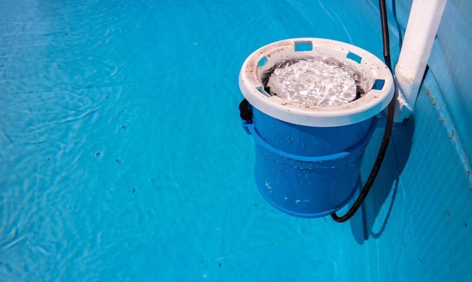 Codzienne dbanie o czystość wody w basenie przydomowym - jak to robić?