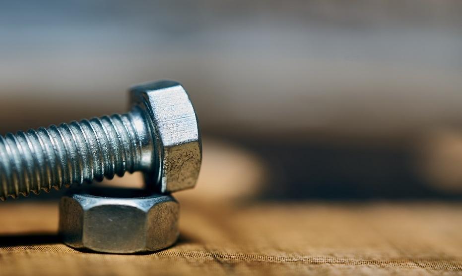 Czego można się dowiedzieć z oznaczeń DIN śrub?