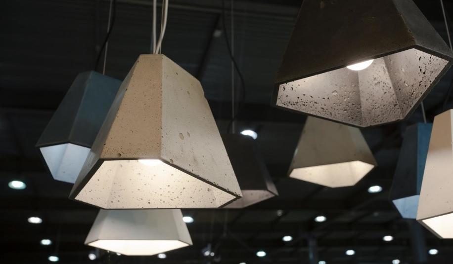 Czy beton architektoniczny jest trwałą oprawą oświetleniową?