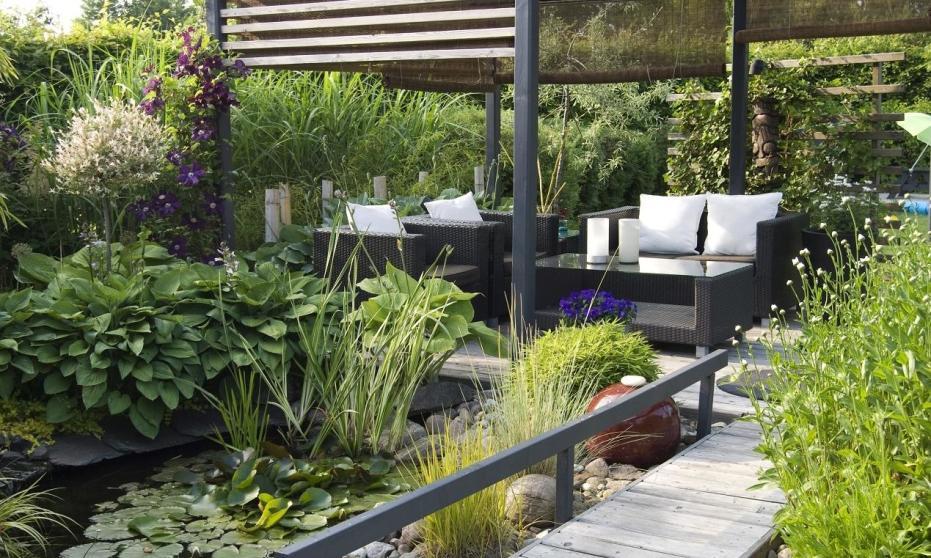 Dodatki, które mogą urozmaicić ogrodową przestrzeń