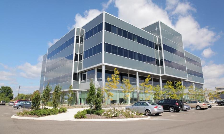 Z jakich materiałów wykonuje się nowoczesne budynki biurowe?