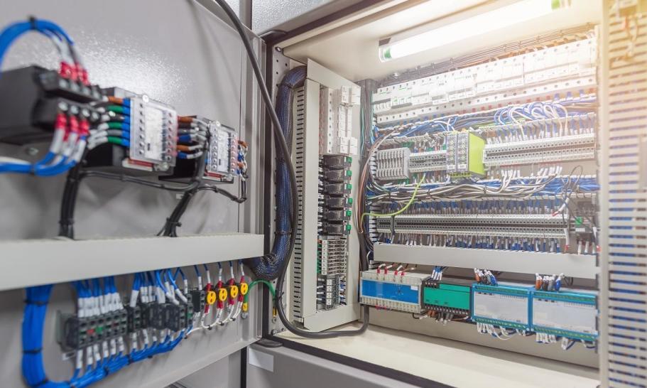 Каковы характеристики шкафов управления?