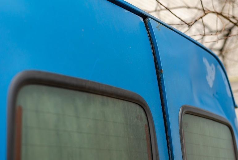 Najczęstsze przyczyny uszkodzeń lakierniczych autokarów i autobusów