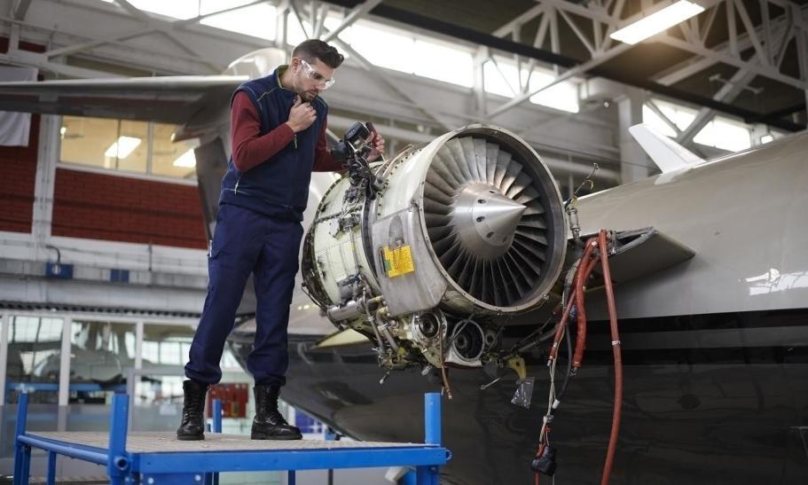Jakie są wymagania względem ochrony antykorozyjnej w przemyśle lotniczym?