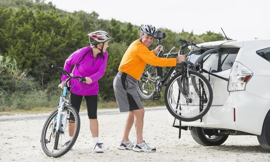 Zasady montażu bagażników rowerowych na klapę