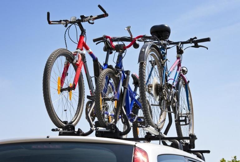 Bagażnik dachowy jako sposób na sprawny transport rowerów