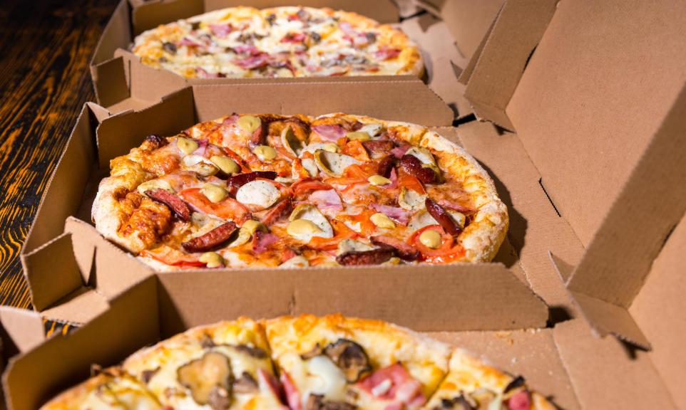 Czy pizzę z dowozem można zjeść następnego dnia?