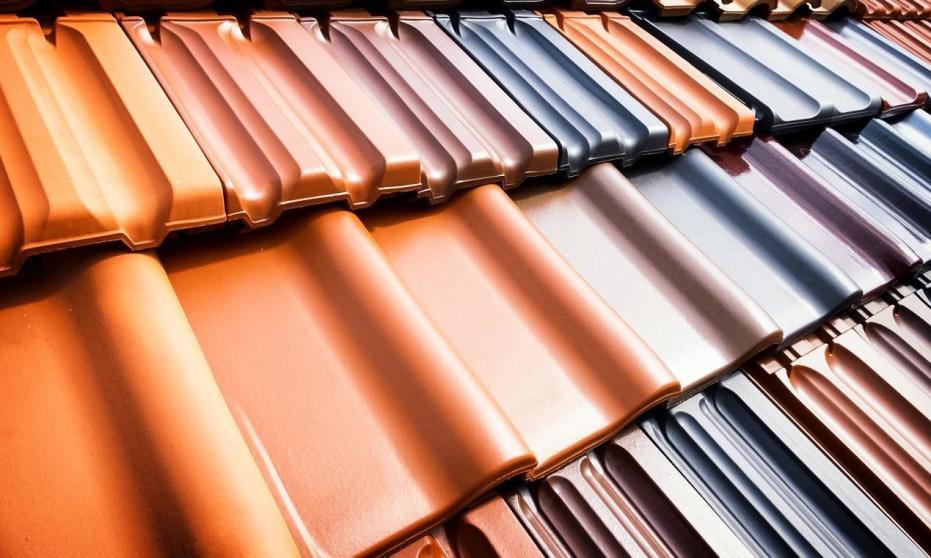 Dachówka ceramiczna a cementowa. Porównanie