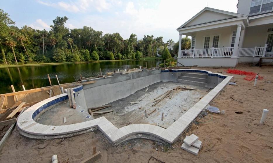Realizacja gotowego projektu basenu. Jak przebiega budowa basenu krok po kroku?