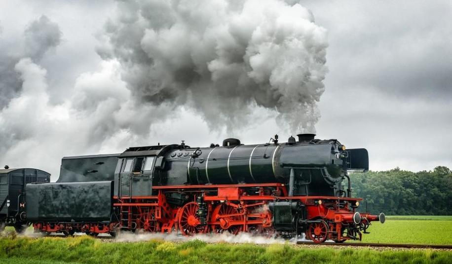 Na czym polega naprawa rewizyjna lokomotyw?