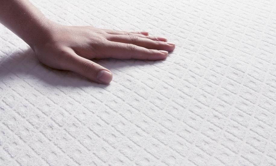 Bardzo tanie materace – w czym tkwi haczyk?