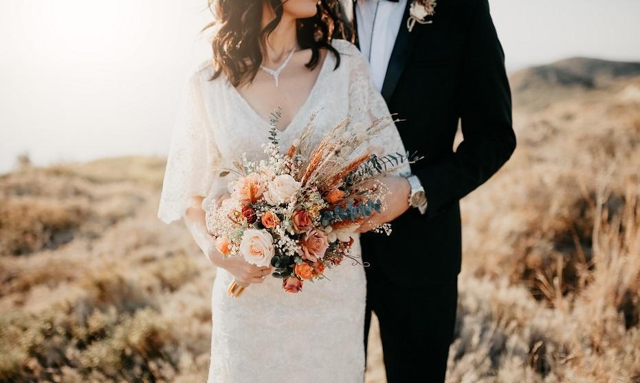 Modna wiązanka ślubna. Trendy w nadchodzącym sezonie