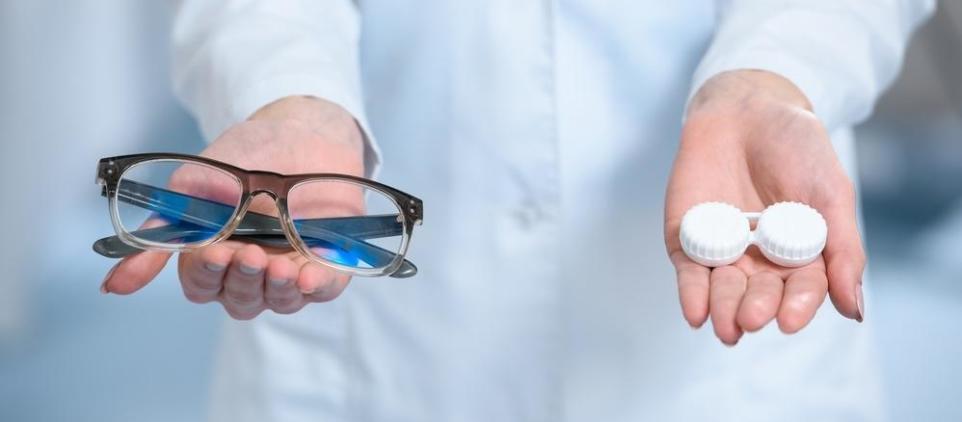 Okulary korekcyjne czy soczewki?