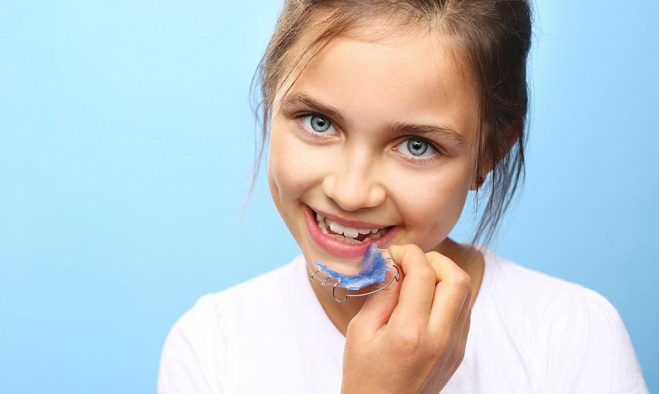 Ruchome aparaty ortodontyczne - komu są polecane?