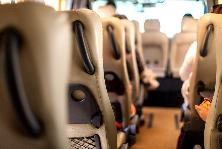 Jak powinny być wyposażone nowoczesne busy do przewozu osób?