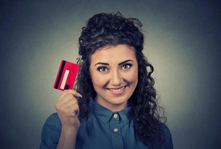 Gotówka czy karta? Formy płatności stosowane w taksówce