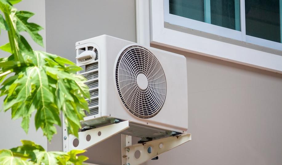 Klimatyzacja a suche powietrze. Jak poradzić sobie z tym problemem?