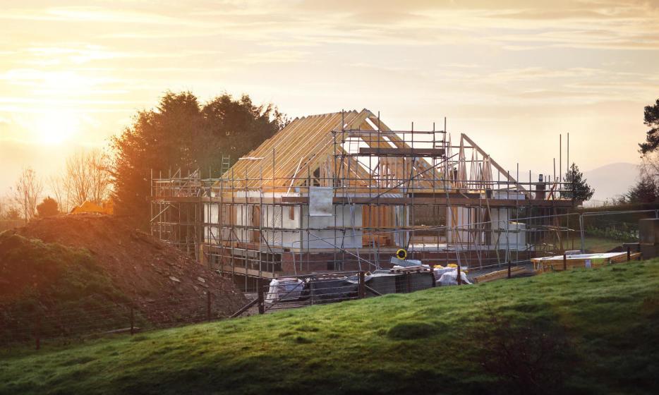 Budowanie domu – samodzielnie czy z deweloperem?