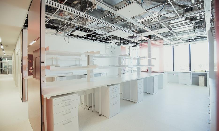 Blaty ceramiczne w zastosowaniach laboratoryjnych