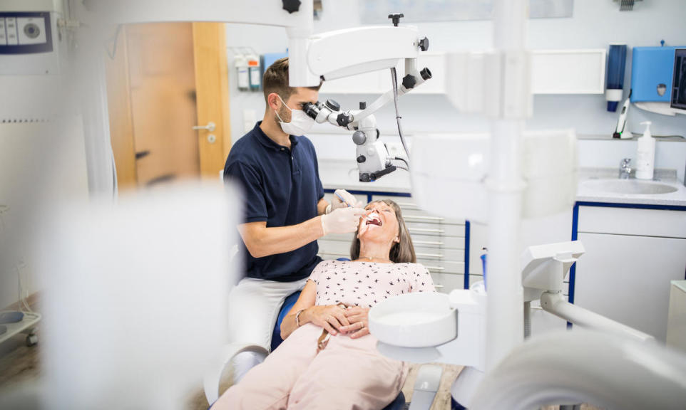 Mikroskop w stomatologii