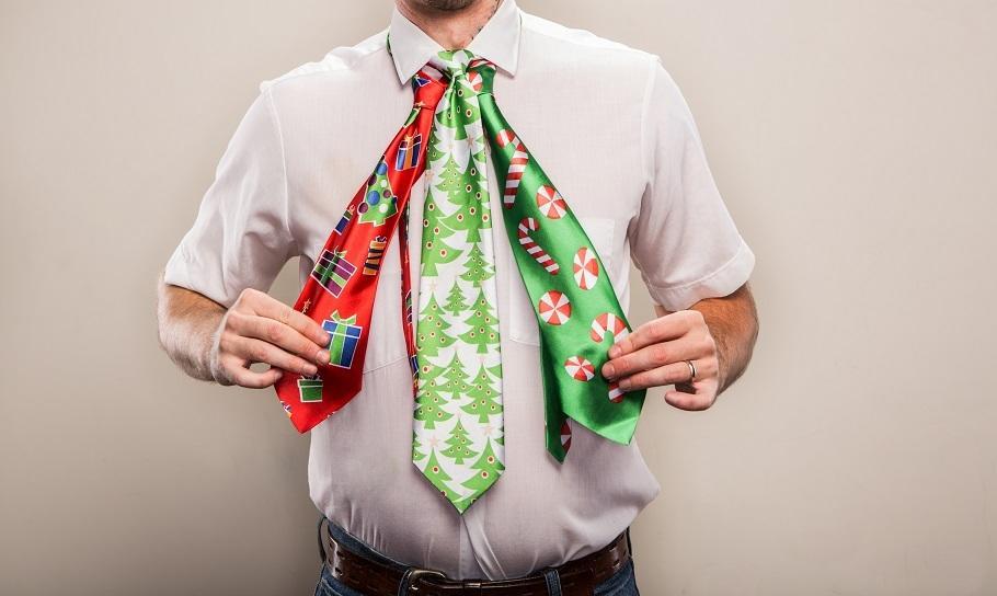 Krawat z zabawnym nadrukiem na imprezę: nie tylko urodzinową