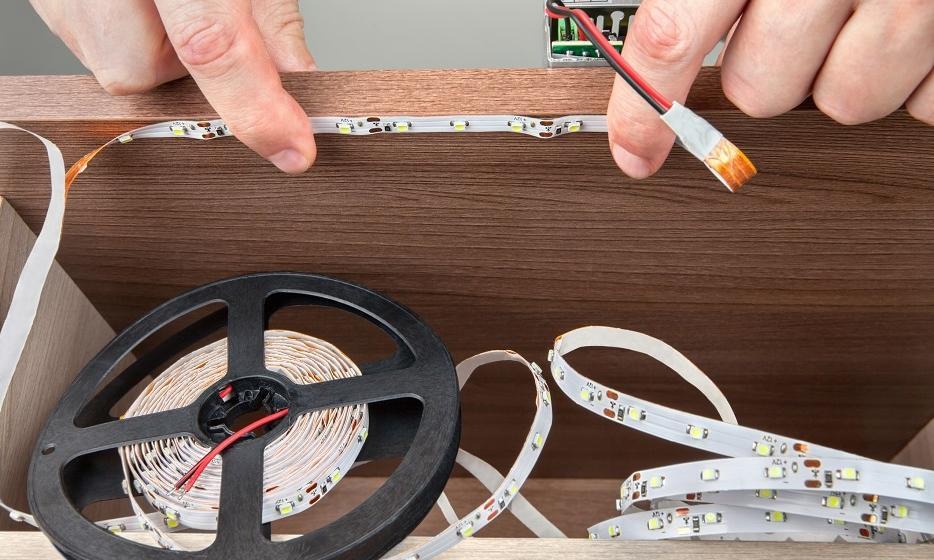 Jak montować taśmy LED?