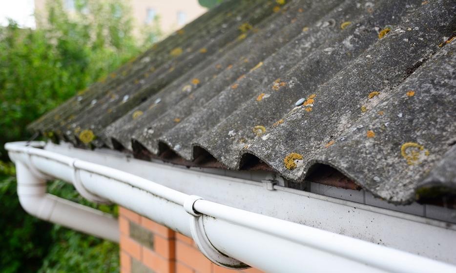 Jak bezpiecznie pozbyć się azbestu?