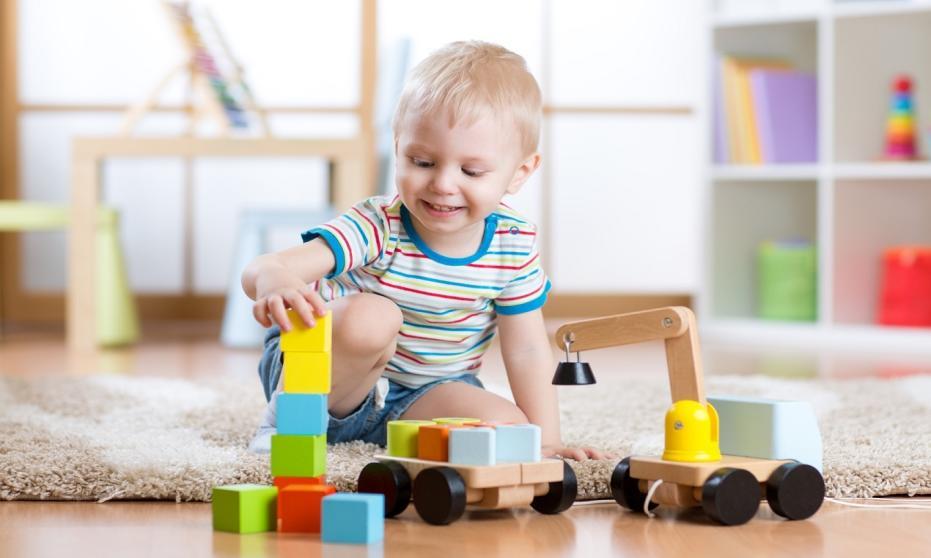 Pojemniki plastikowe do przechowywania zabawek dziecka