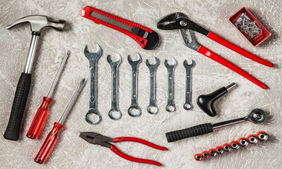 Jakie rodzaje kluczy będą przydatne dla każdego majsterkowicza
