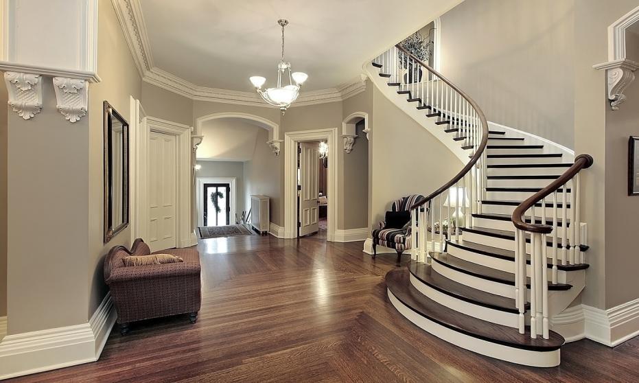 Kiedy warto zdecydować się na schody gięte?