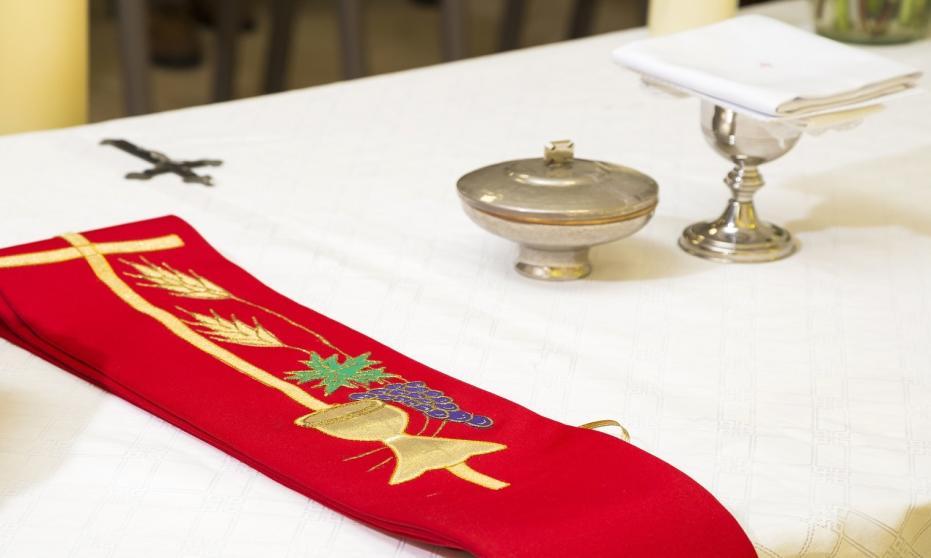 Jak powstają hafty liturgiczne?