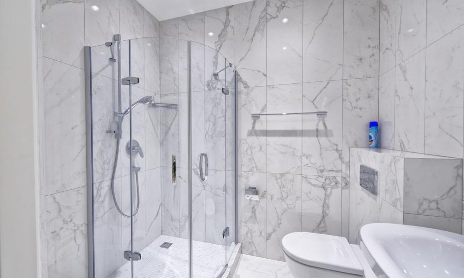 Technika sanitarna. Najważniejsze elementy wyposażenia łazienek