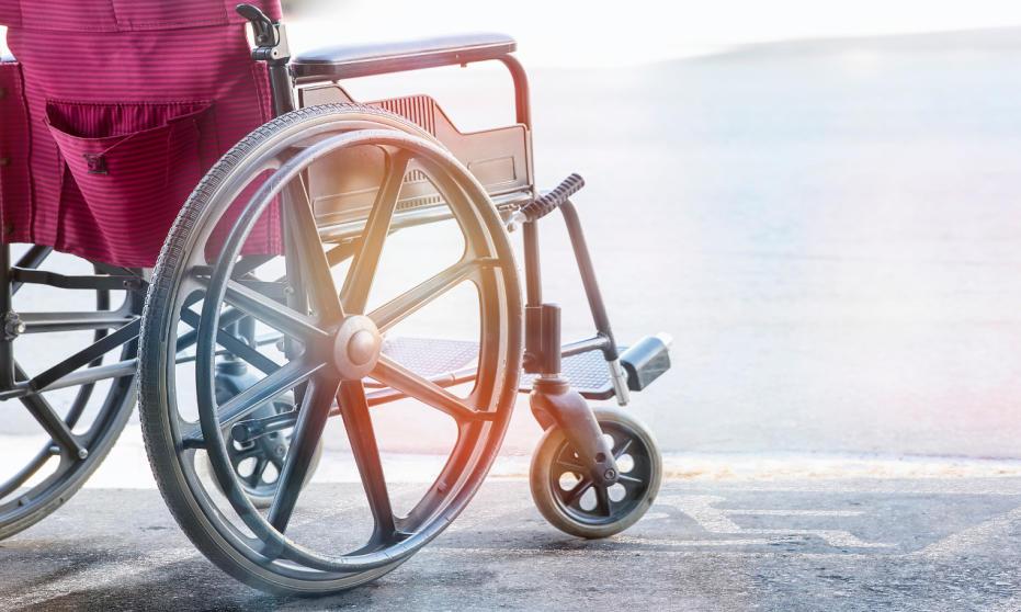 Wózki inwalidzkie. Pomoc dla osób z dysfunkcją ruchu