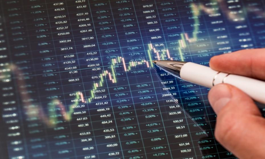Czym są transakcje istotne w praktyce?