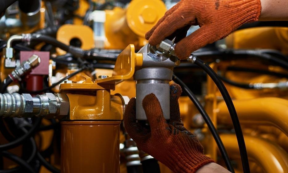 Co to znaczy, że pompa hydrauliczna pracuje w układzie zamkniętym?